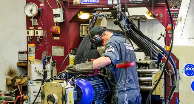 Runderneuerung Reifen Reperatur