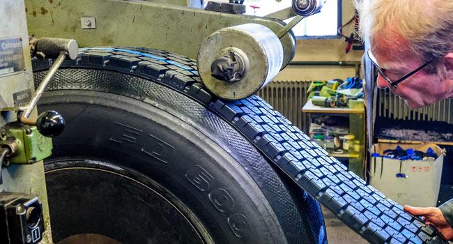 Runderneuerung Reifen Profil
